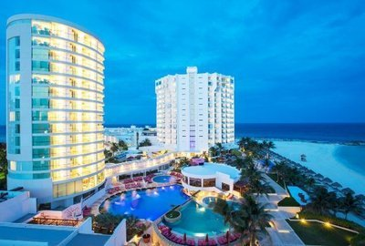 Altitude by Krystal Grand Punta Cancún All Inclusive -